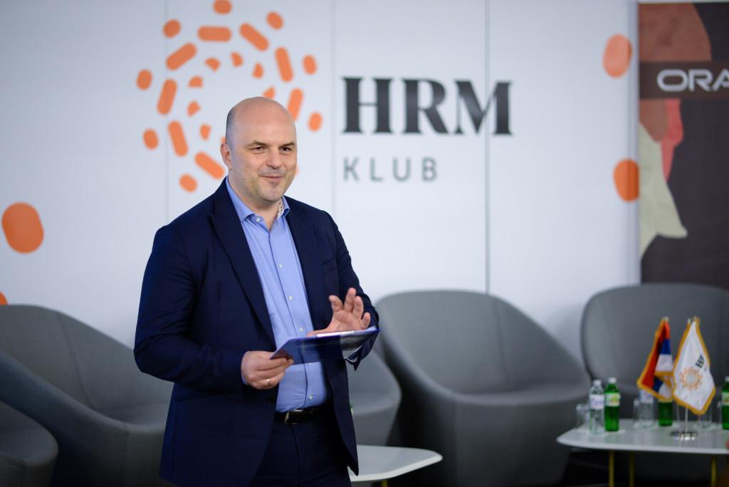 0677_7.HRM klub
